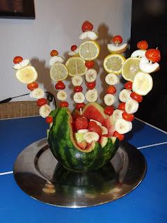 Kreatív gyümölcsöstál nyárra