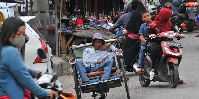 Sandi soal rencana hidupkan becak di DKI: Masih dibahas