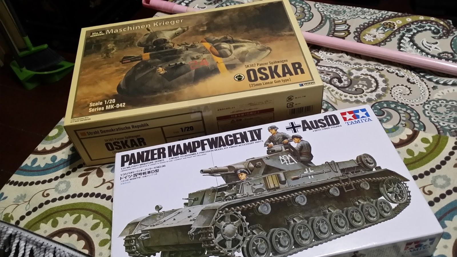 The GeNeRaL's Plamo Camp: [Unboxing] Tamiya 1/35 Panzer