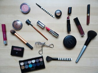 Nama Nama Alat Make Up Kosmetik Wanita Dan Fungsinya Uniqueepedia
