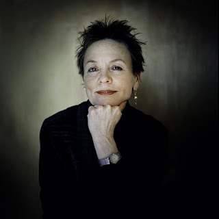 Rock Music Space  Laurie Anderson e la morte 0679d7a598b