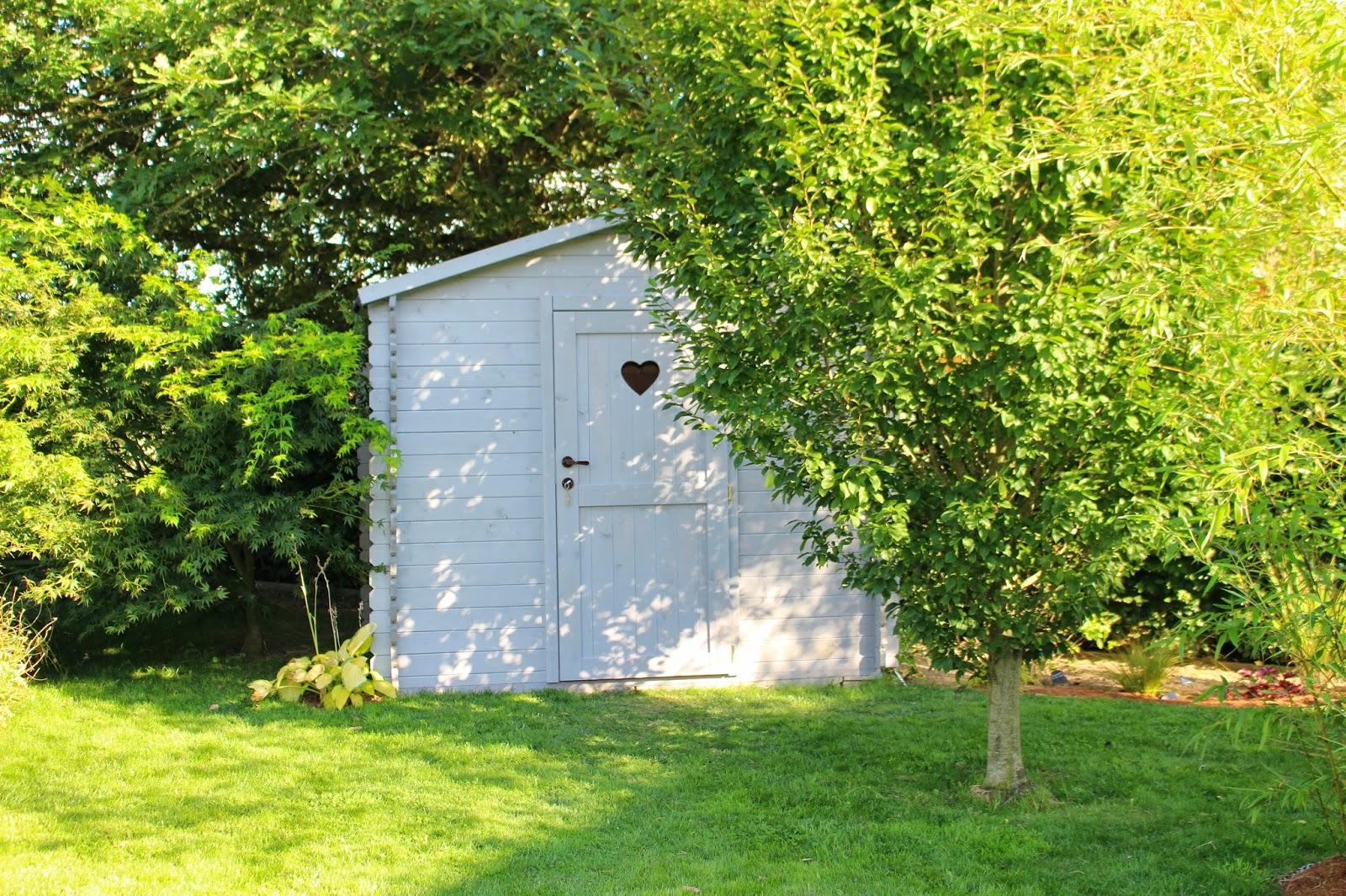 Ancolies compagnie l 39 abri de jardin en gris for Le jardin breton