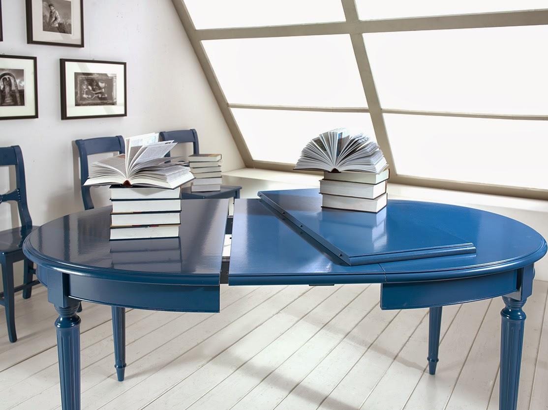 Mobili Casanova: tavolo e sedie blu