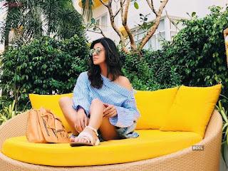 Kishwar Merchant Spicy Instagram Pics Bikini Shorts Vacation Beech side pIcs Exclusive (10).jpeg