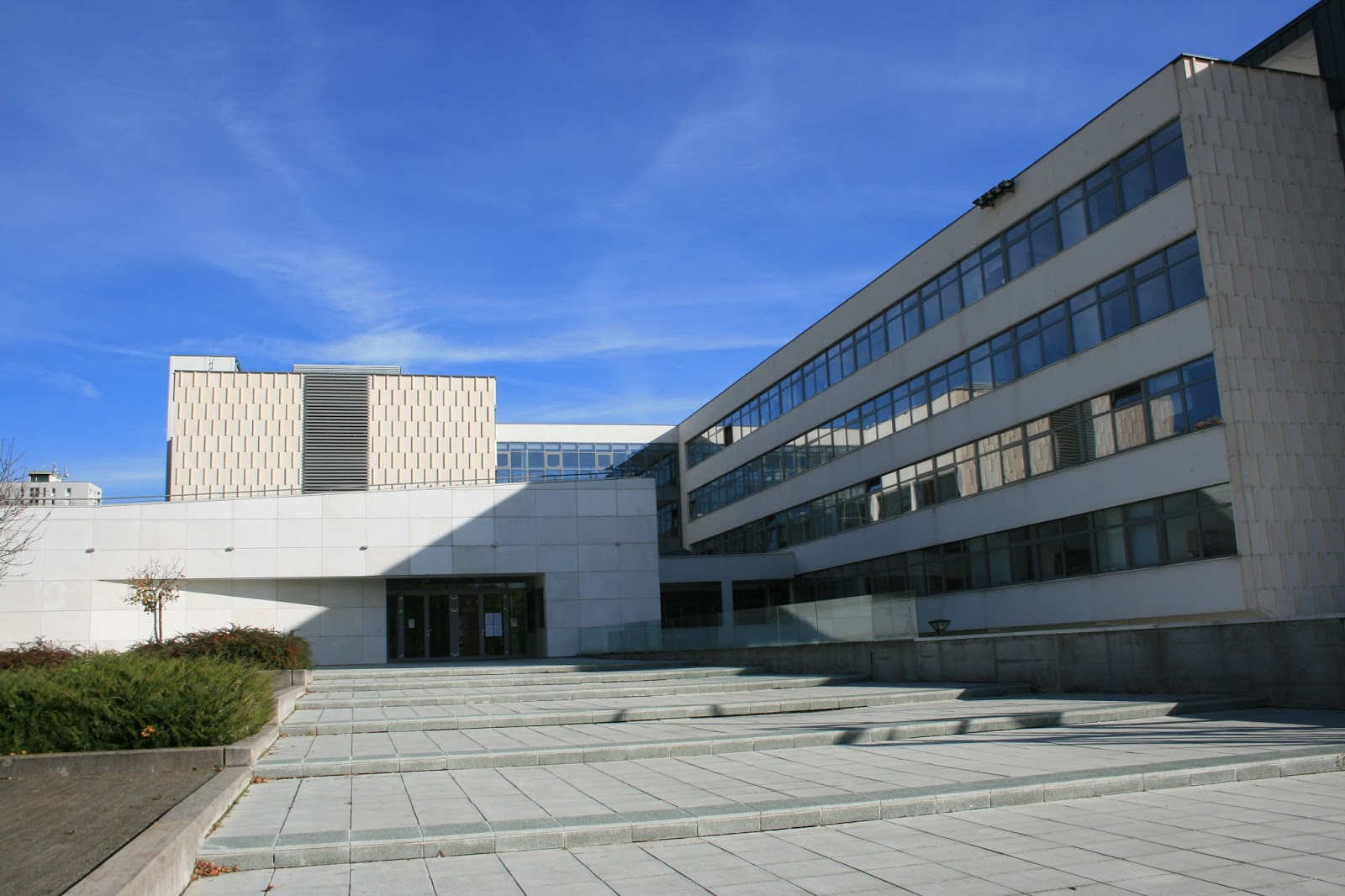 6da454d32e Másfelől szakmai műhelyekkel és külföldi példák bemutatásával kívánt  hozzájárulni az épített környezeti nevelés népszerűsítéséhez. A konferencia  a 13.