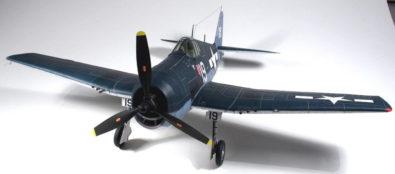 Vilius's scale modeling endeavors: Flashback: Grumman F6F