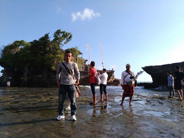 Pura Karang Bolong Tanah Lot Bali