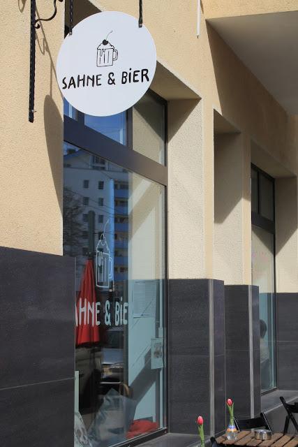Sahne und Bier Cafe Duesseldorf Muensterstrasse Nordstrasse Jules kleines Freudenhaus