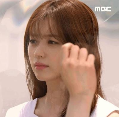 Han_Hyo_Joo_Outfits_Styles_W_Korean_Drama