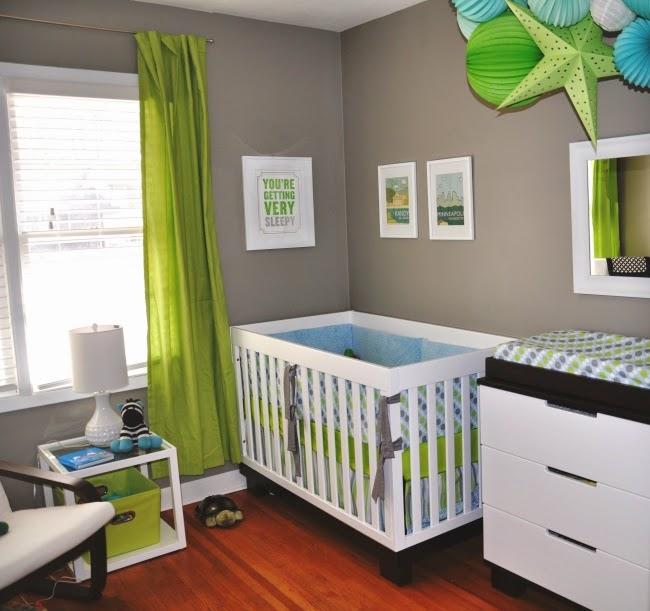 Cuarto bebé verde gris
