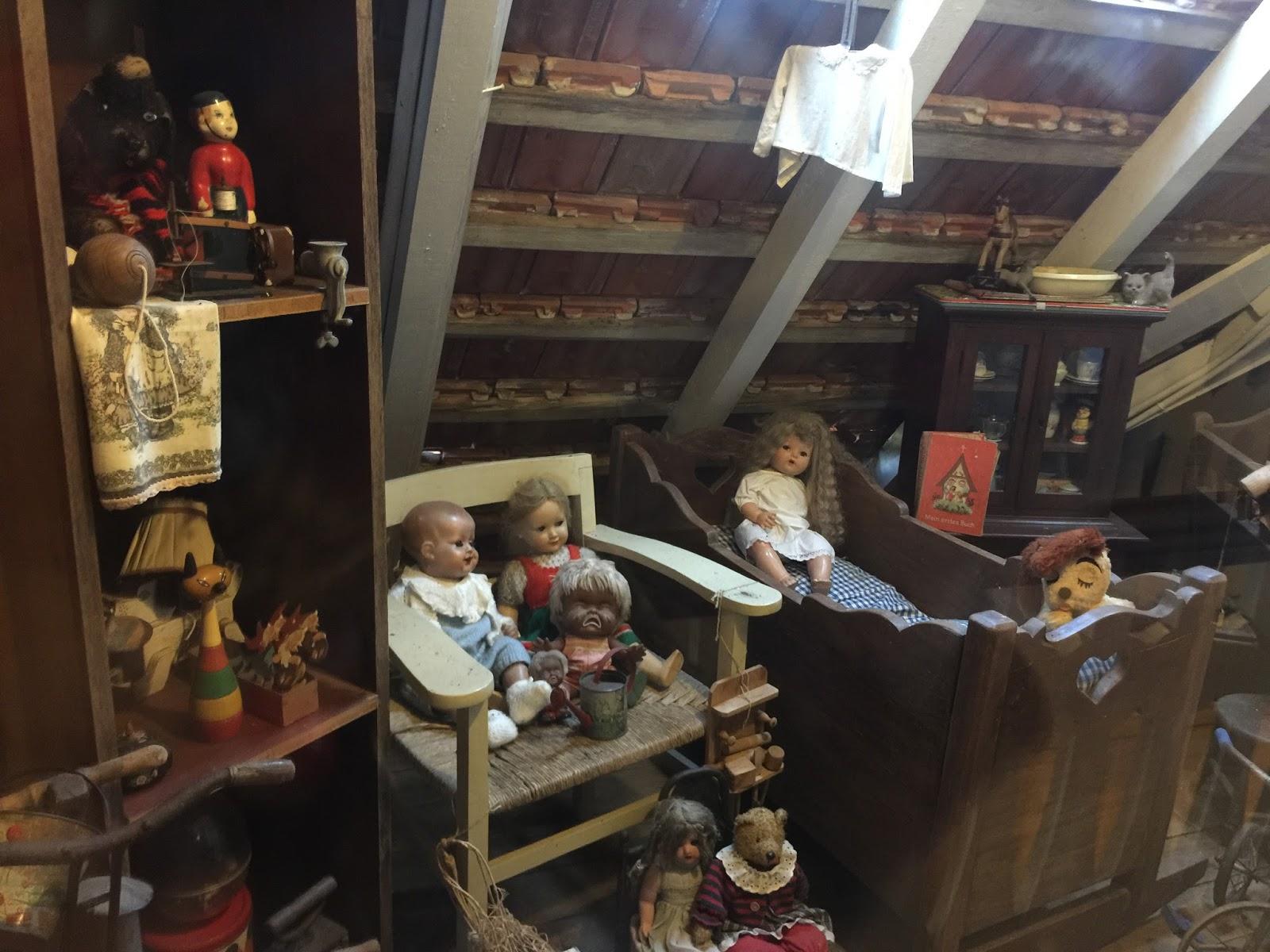 Quarto de brinquedos antigos