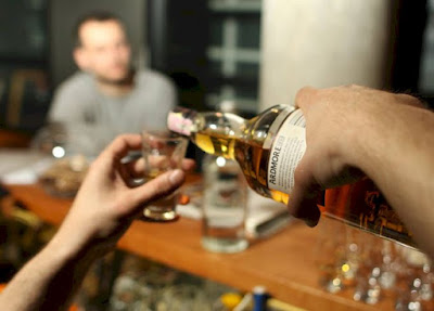 Como saber si el alcohol fue adulterado