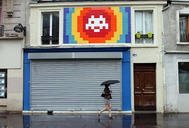 Late last night, the one and only Invader brought to life what may be his largest invasion to date on the streets of Paris.
