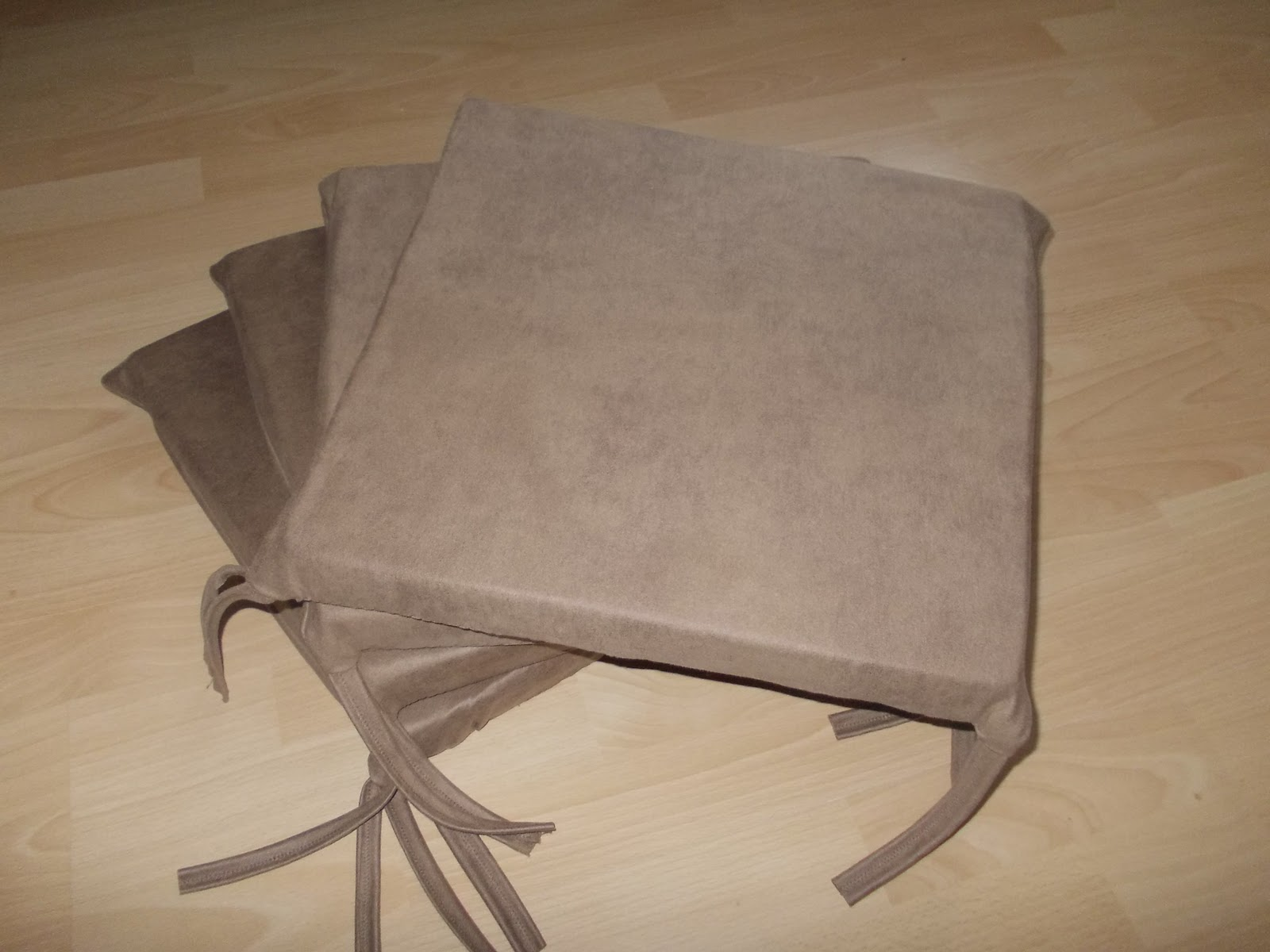 made by mica elefant s sitzkissen u heft h lle. Black Bedroom Furniture Sets. Home Design Ideas