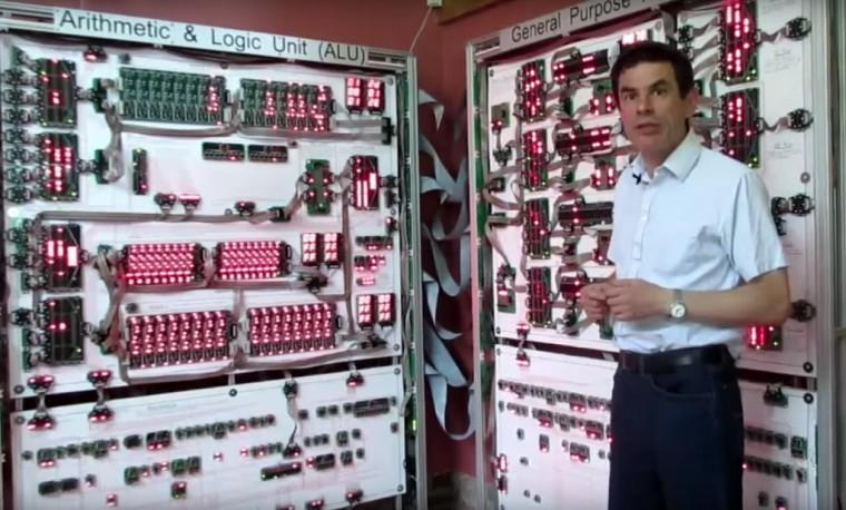 Un Processore di mezza tonnellata ci mostra come funzionano i Computer in tempo reale | Video 2 HTNovo