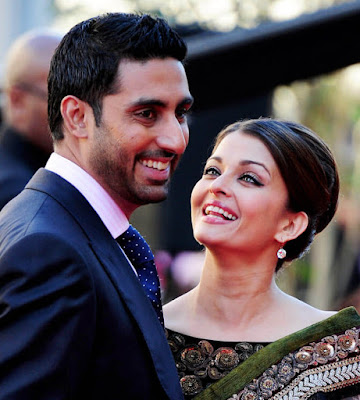 Smiling Couple | Aishwarya Rai Bachchan and Abhishek Bachchan