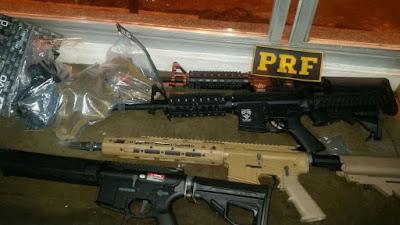 PRF apreende 26 pistolas e 05 Quilos de Cocaína em Registro-SP