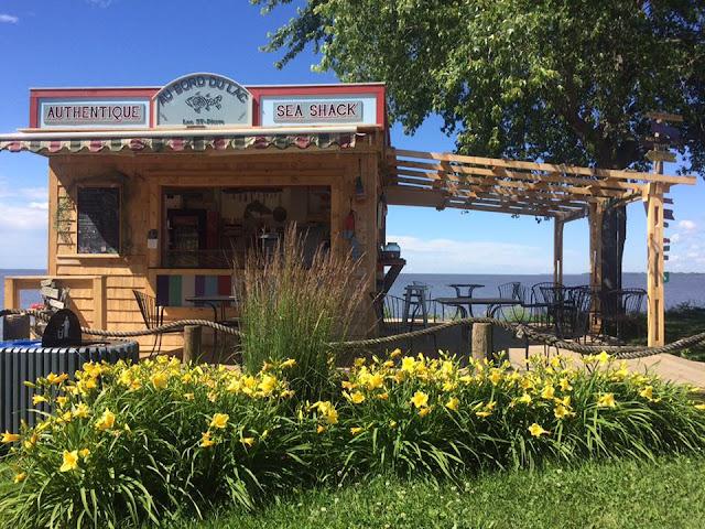 bord de l'eau, sea shack, route 138, tourisme, trois-rivières, restaurant, poisson fumé, achat local.