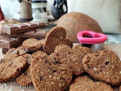 Bezglutenowe ciasteczka czekoladowo-kokosowe (z mąki kokosowej)