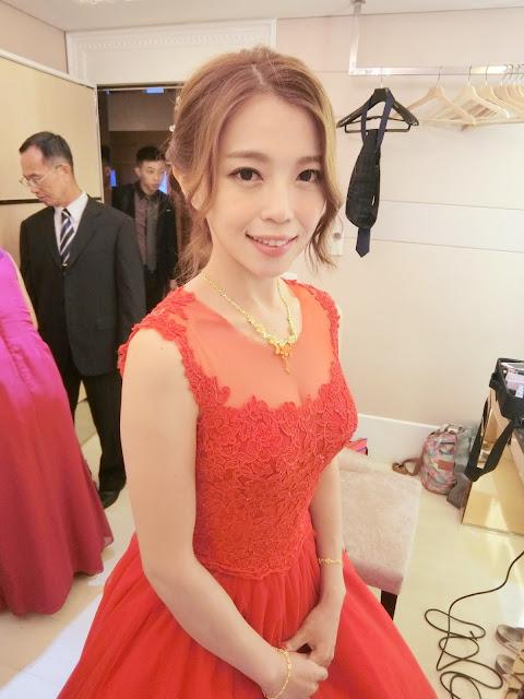 台北新秘推薦 | 訂婚造型 | 旗袍造型 | 紅色禮服
