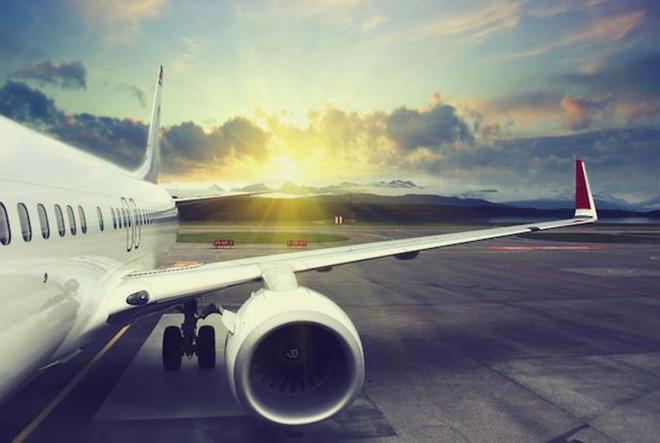 Tại sao không trang bị dù cho các hành khách trên các máy bay thương mại
