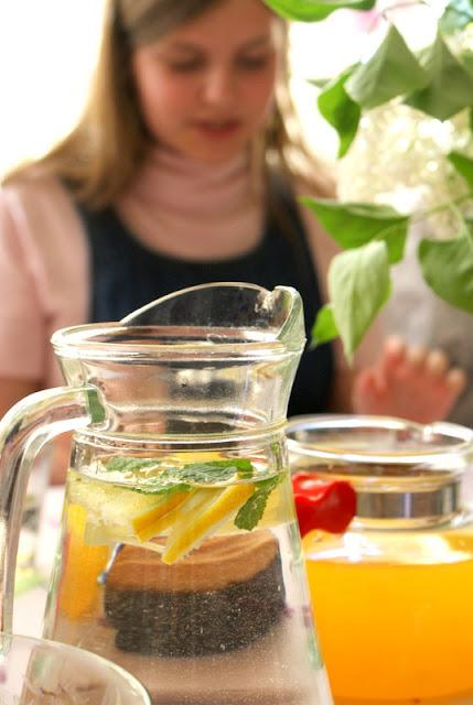 z kuchni do kuchni,Hańderek,wędliny,deska smaku,sałatka z selera i ananasa,jak zrobić sałatkę z selera, prosty przepis na sałatkę do grilla,sałatka,