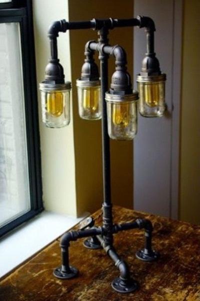 2. Lampu lantai dari toples mason dan pipa baja