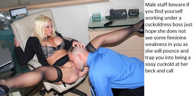 меня мама секретарша отлизала начальнице фото изображают гримасы удовольствия