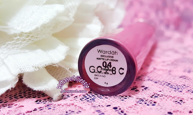 Wardah_Exclusive_Matte_Lip_Cream_Review_04_Pink_Me