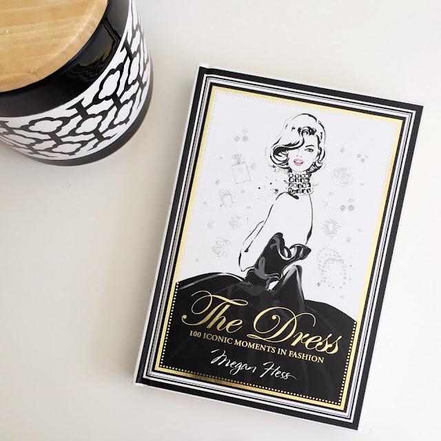 ספרי אופנה מומלצים, ספר ״השמלה״, the dress fashion book