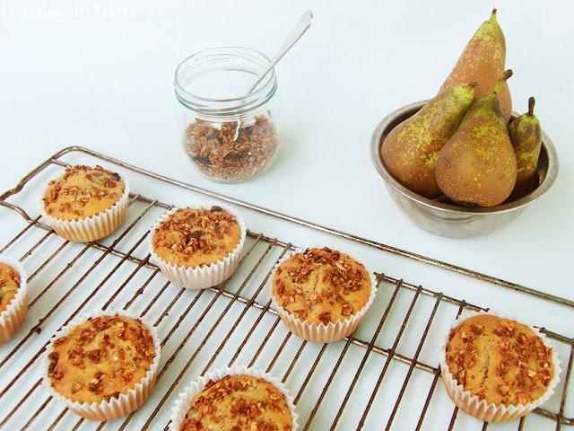Muffins de pera y granola