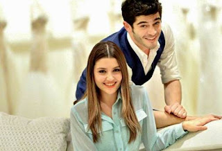 Ask Laftan Anlamaz is an Turkish drama serial.It Cast hande Ercel as Hayat uzun and barak deniz as Murat sarsilmaz.