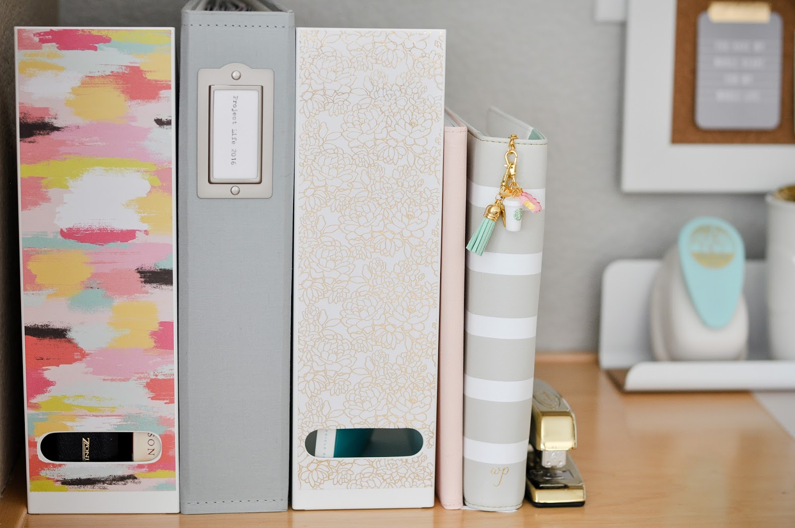 Artful leigh project life and ikea how to organize and - Desk organize ...