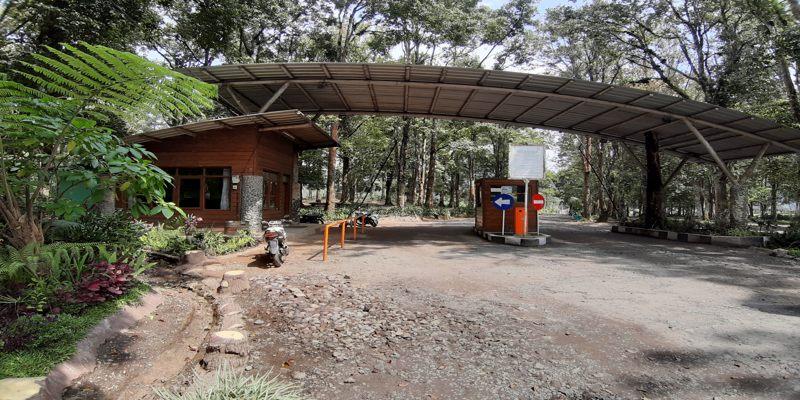 Loket Penjualan Tiket Masuk Kampung Cai Ranca Upas Ciwidey Bandung
