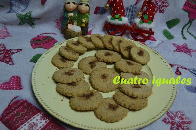 CUATRO IGUALES, (mantecados navideños)