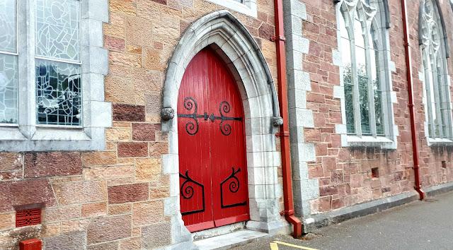 Punainen ovi, St. John's church, kirkko