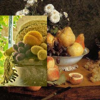 """Madame Tricot : Fruits et légumes, détail (photo © Nicolas Perron) - """"Après Fantin-Latour"""", Exposition de produits dérivés inspirés par l'univers du peintre Henri Fantin-Latour, Galerie de la Marraine – Henri Fantin-Latour : Nature morte, détail"""