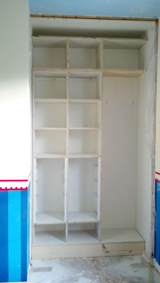 DIY - Small Closet Makeover - Part 1 - Remodelando la Casa