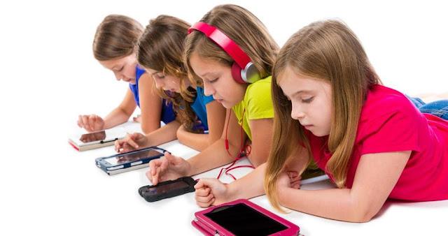 Ini Risikonya Jika Memberikan Anak Smartphone