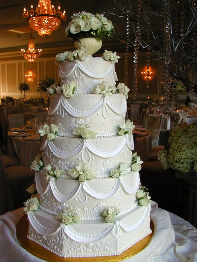 Wedding Cakes Lights On With Fountains And Stairs 2017