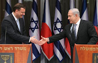 Israeli Prime Minister Benjamin Netanyahu (right) shakes hand with his Czech counterpart Petr Necas.