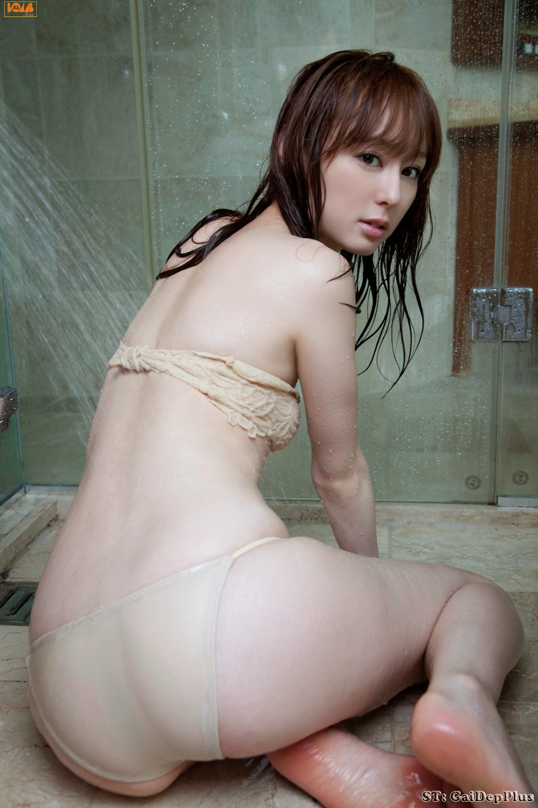 Amelia Intan Nude asia: girl cute showing hot body in the bathroom | cute meki
