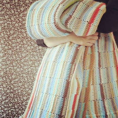 ByHaafner, crochet, favourite blanket, pastel colours, vintage wallpaper