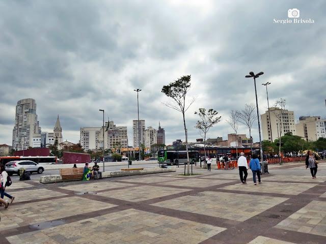 Vista ampla de parte do Largo da Batata - Pinheiros - São Paulo