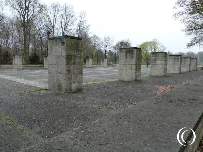 On top of these pillars fires were lit during the memorial ceremonies at the NSDAP rally