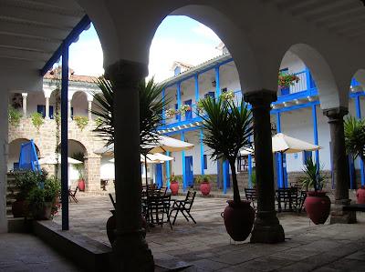 Universidad de San Ignacio, Cusco, Perú, La vuelta al mundo de Asun y Ricardo, round the world, mundoporlibre.com