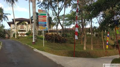 Penunjuk arah ke arena/fasilitas yang disediakan didalam hotel Puri Asri.