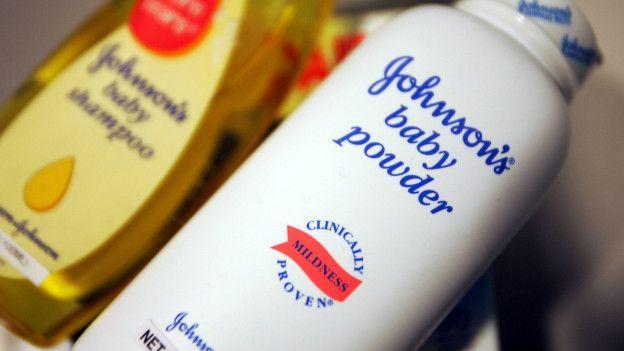 FDA prohibe el uso de talcos Johnson & Johnson causa cáncer cáncer de ovarios.