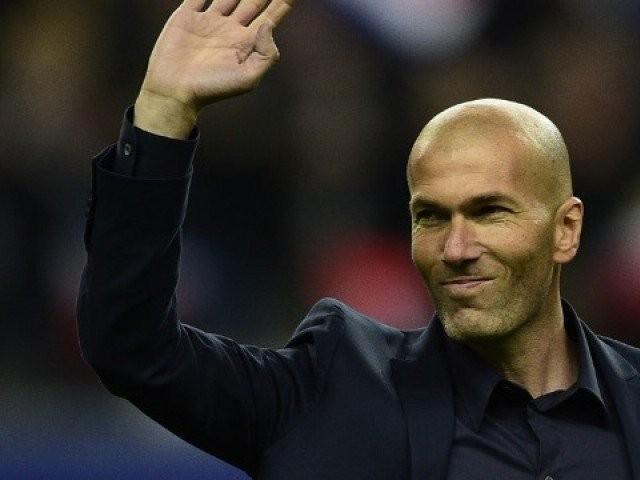 Zidane rất thân thiết với những cầu thủ của mình