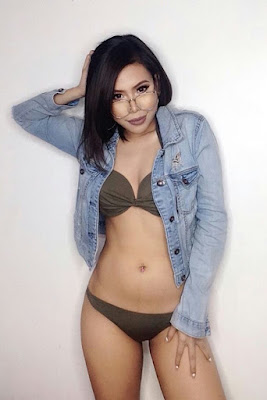 Hot and sexy photos of beautiful pinay hottie chick freelance model make-up artist Reyna Talavera photo highlights on Pinays Finest Sexy Photo Collection site.